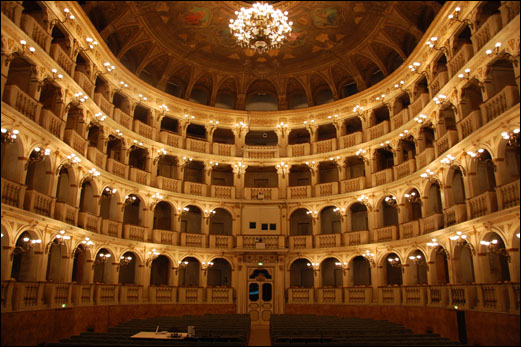 teatro rossini interno